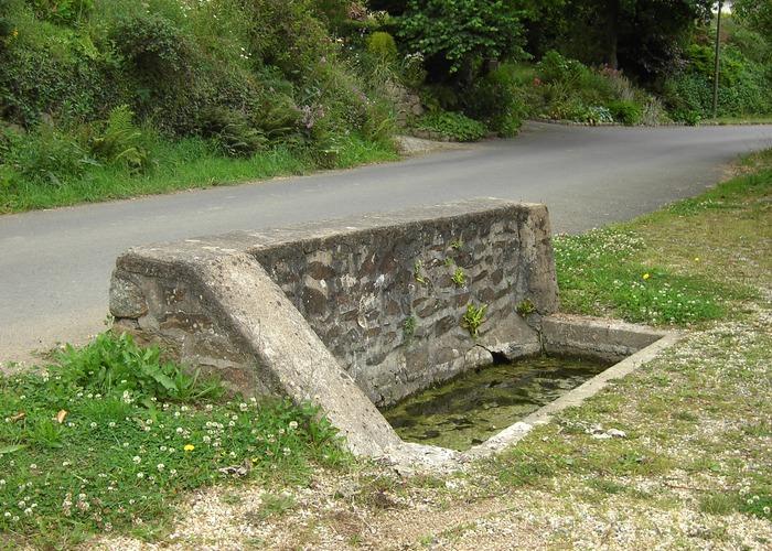 abreuvoir de la fontaine aux moines.JPG