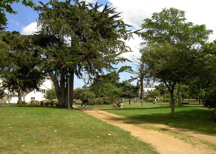 parc de la belle issue.JPG