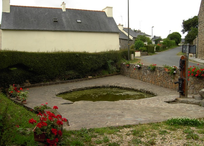 fontaine aux moines1.JPG